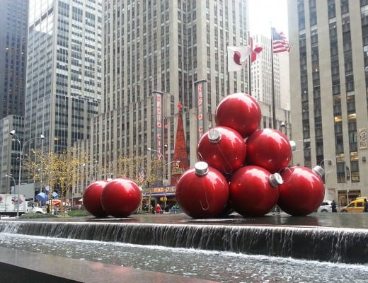 enorme kerstballen in new york