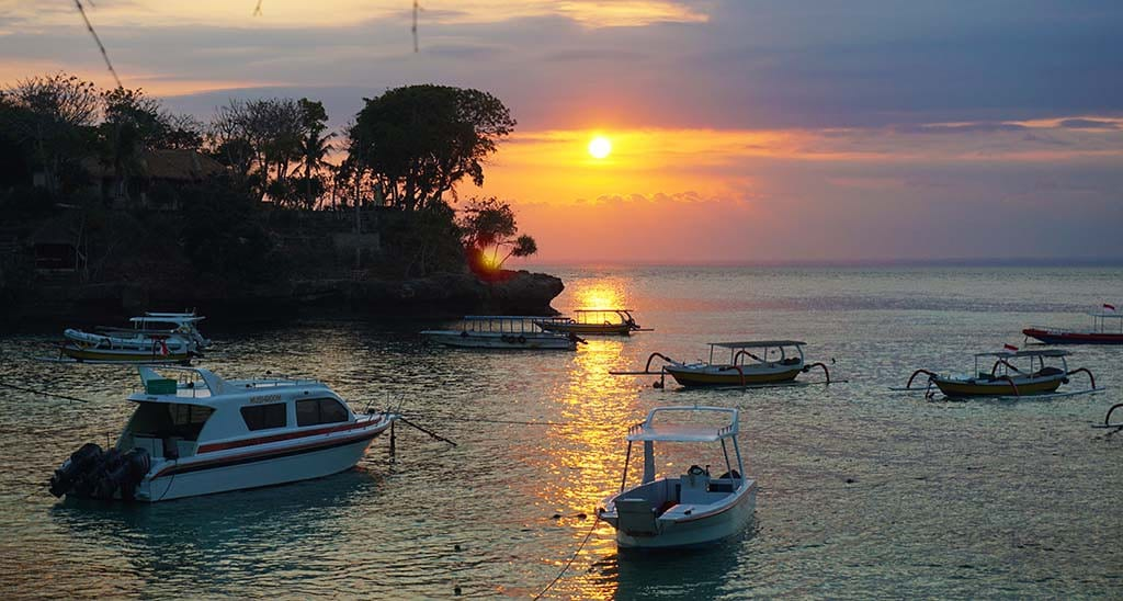 zonsondergang op nusa lembongan