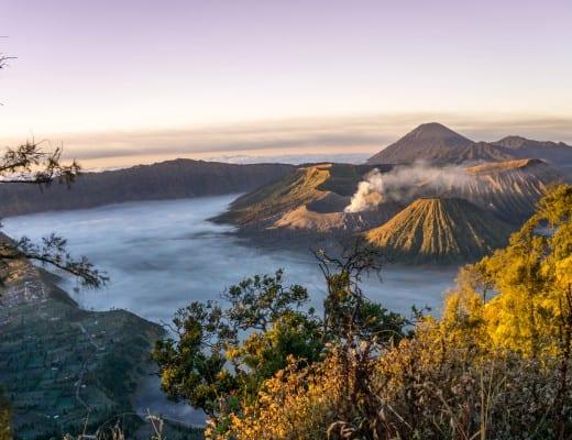 uitzicht op de bromo vulkaan op java