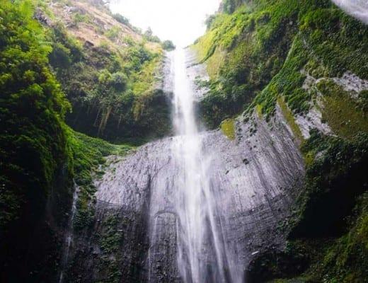 madakaripura watervallen op java