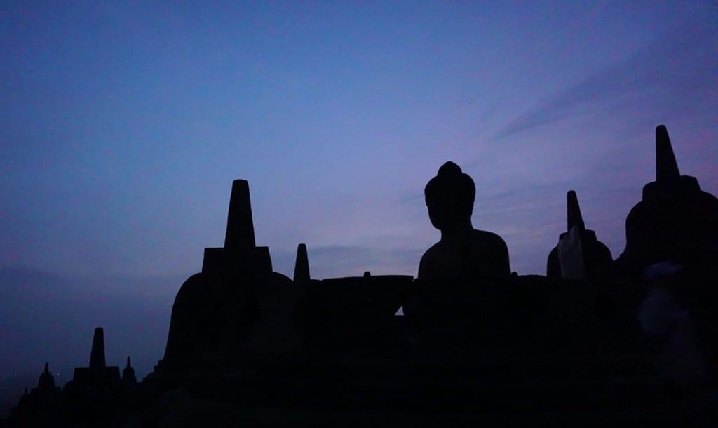 Zonsopkomst bij de Borobudur tempel in Yogyakarta op Java in Indonesië