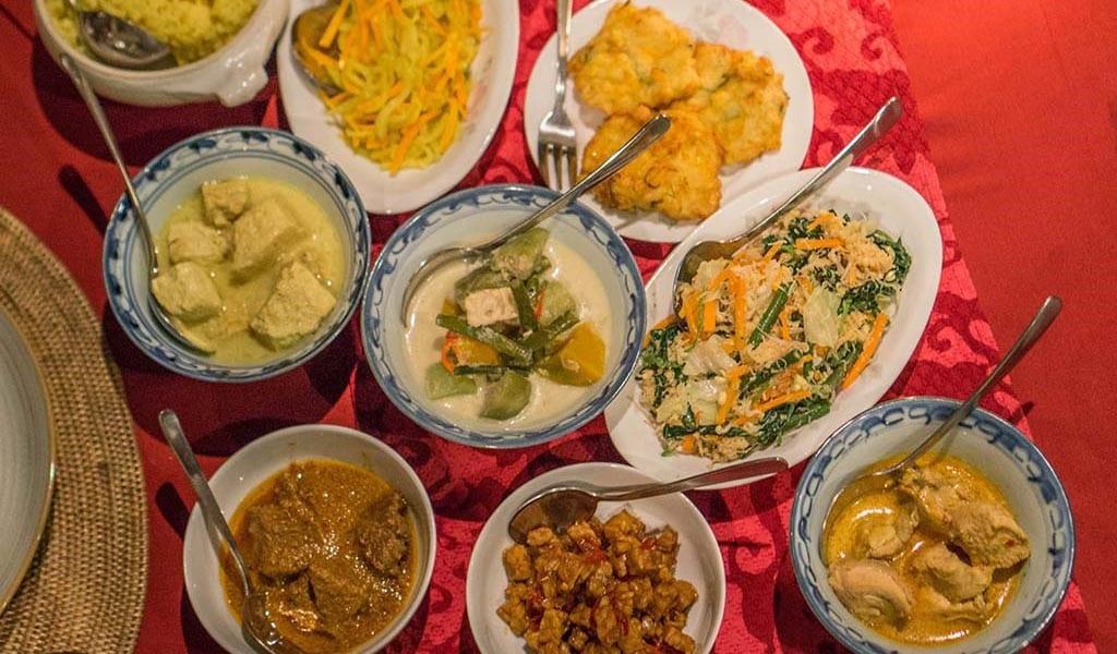 Indonesische rijsttafel in Yogyakarta