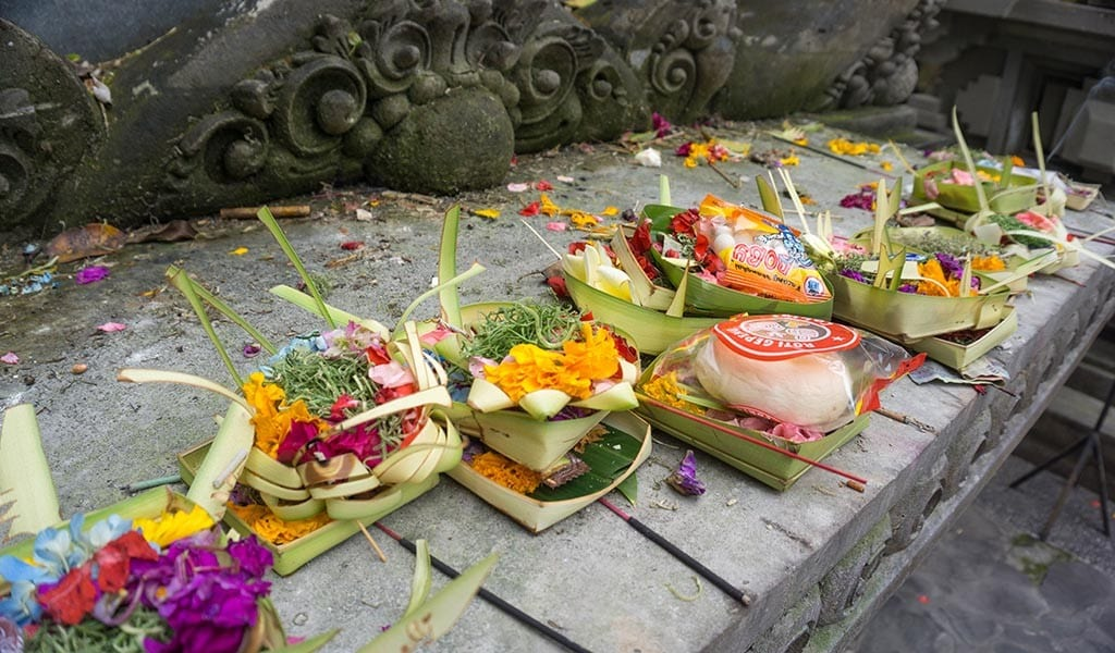 Offeringen in Ubud