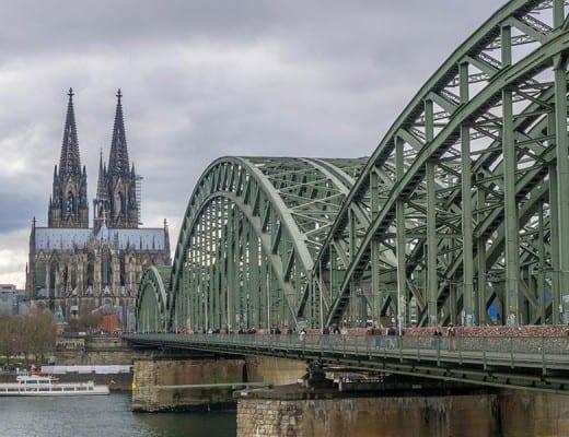 Dom en brug in Keulen