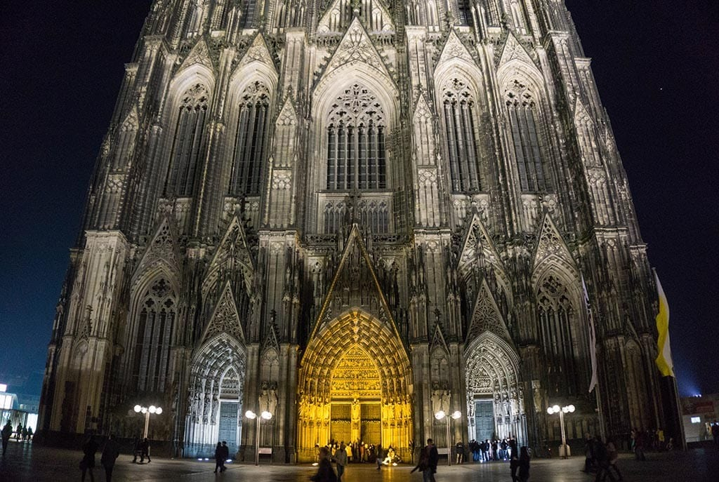 Keulen Dom by night