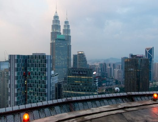 Uitizcht vanaf de Heli Lounge Bar in Kuala Lumpur