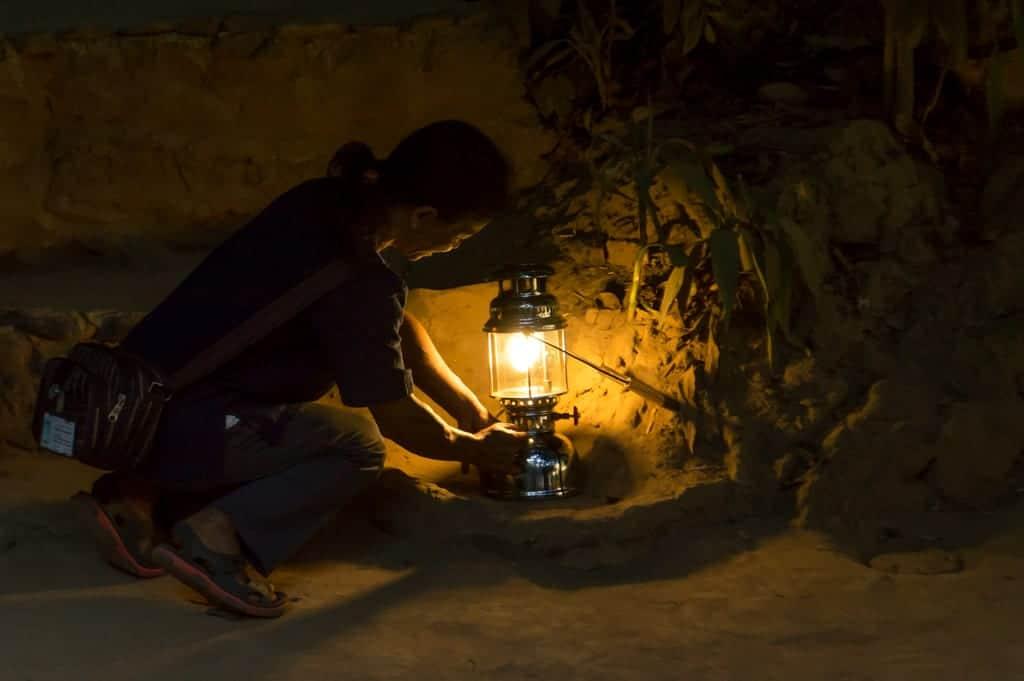 Gids bij de Tham Lod Cave