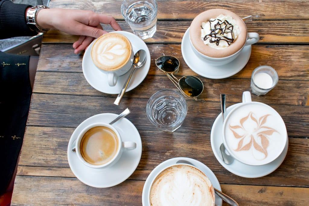 Koffie bij Henrici in Zürich
